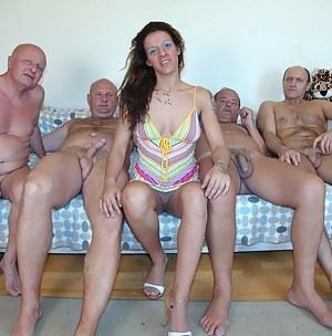 Teen CFNM Porn Pictures